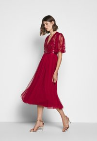 Needle & Thread - PATCHWORK BODICE BALLERINA DRESS EXCLUSIVE - Cocktail dress / Party dress - deep red - 1