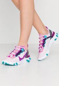 Nike Sportswear - REACT 55 - Zapatillas - flamingo/vivid purple/eggplant/oracle - 0