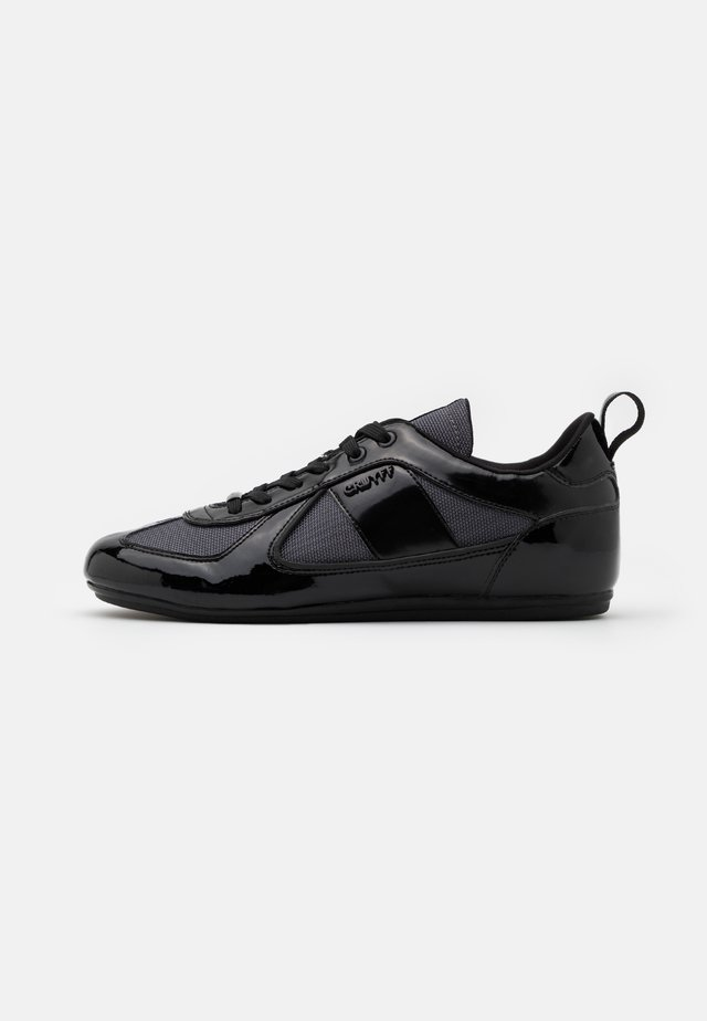 NITE CRAWLER - Sneakers laag - black