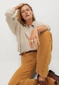 Mango - LOLA-I - Flared jeans - braun - 5