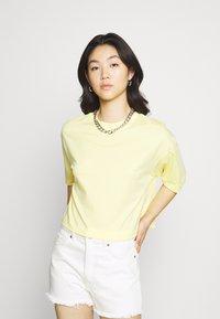 EDITED - SILA - Basic T-shirt - sunshine gelb - 0