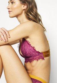Dora Larsen - MEGHAN PADDED TRIANGLE - Triangle bra - medium purple - 6