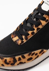 Loeffler Randall - REMI LACE UP - Baskets basses - black - 2