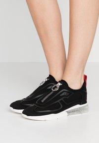 DKNY - NILLI ZIPPER - Trainers - black - 0