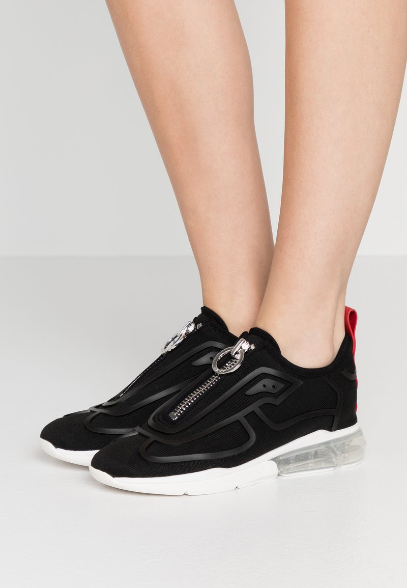DKNY - NILLI ZIPPER - Trainers - black
