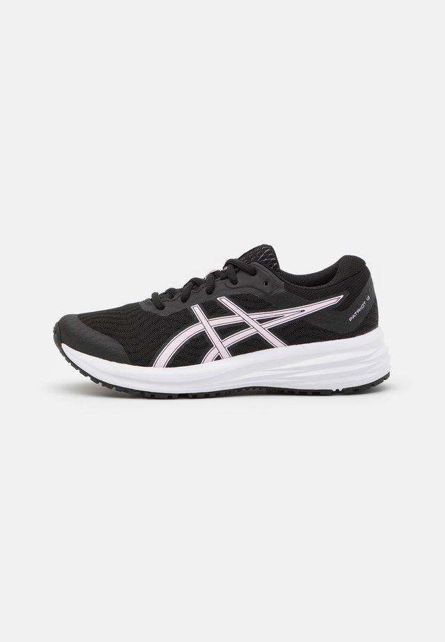 PATRIOT 12 - Zapatillas de running neutras - black/pink salt