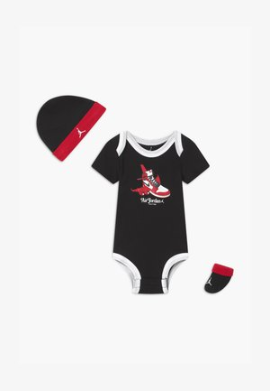 FIRST IN FLIGHT UNISEX SET - Bonnet - black