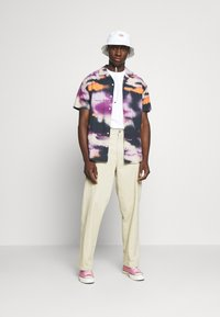 Carhartt WIP - HARTTBREAKER - Print T-shirt - white - 1