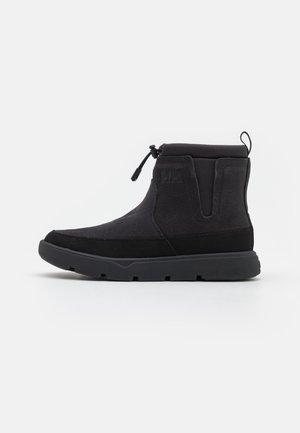 ADORE  - Snowboots  - black/magnet