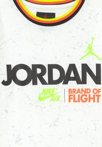 Jordan - SCHOOL OF FLIGHT TEE - Print T-shirt - white - 3