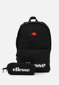 Ellesse - VALLI SET UNISEX - Rucksack - black - 0
