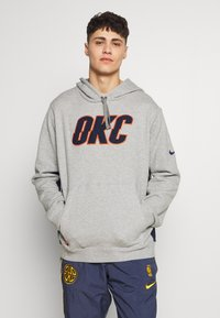 Nike Performance - NBA COURTSIDE HOODY THUNDER EARNED - Club wear - dark grey heather/college navy - 0
