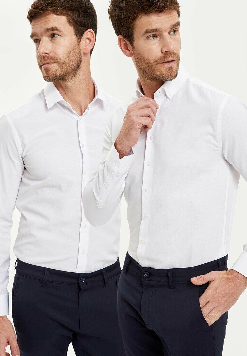 DeFacto - PACK OF 2 - Kostymskjorta - white