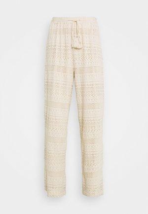 VMHONEY LACE WIDE PANTS - Pantaloni - sandshell