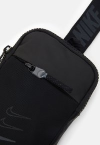 Nike Sportswear - Sac bandoulière - black/smoke grey - 3