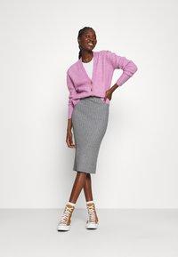 Moss Copenhagen - GWEN RACHELLE SKIRT - Pencil skirt - mottled grey - 1