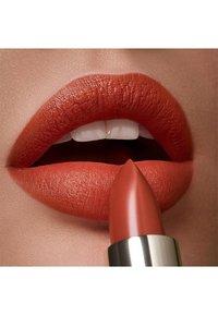 KIKO Milano - GREEN ME MATTE LIPSTICK - Lipstick - 103 basic brick - 2