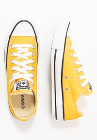 Converse - CHUCK TAYLOR ALL STAR - Trainers - lemon chrome - 1