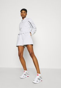 Nike Sportswear - Shorts - white/black - 3