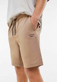Bershka - Shorts - beige - 3