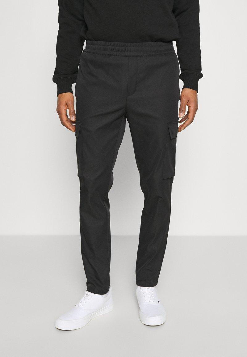 Samsøe Samsøe - SMITHY TROUSERS - Cargo trousers - black