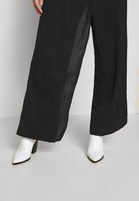UNIQUE 21 - WRAP FRONT TROUSER - Trousers - black - 3
