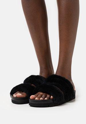 FLO - Mules - black