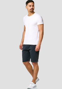 INDICODE JEANS - CASUAL FIT - Shorts - blau navy - 1