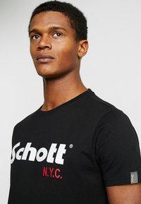 Schott - LOGO 2 PACK - Print T-shirt - camo/black - 4