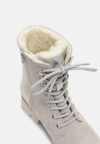 Tamaris - Lace-up ankle boots - light grey - 5