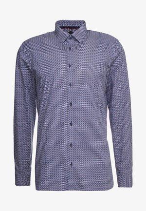 OLYMP NO.6 SUPER SLIM FIT  - Kostymskjorta - rot