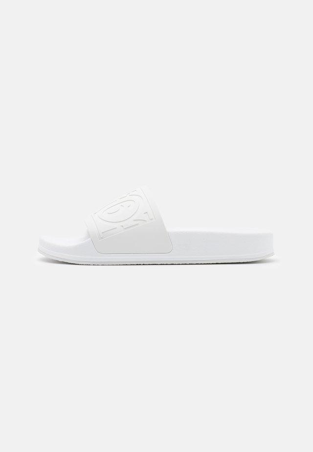 Sandały kąpielowe - white