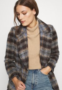 Banana Republic - BRUSHED PLAID COAT - Classic coat - brown/blue - 4