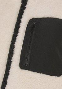 Vero Moda - VMANDREA JACKET - Winter jacket - birch/black - 5