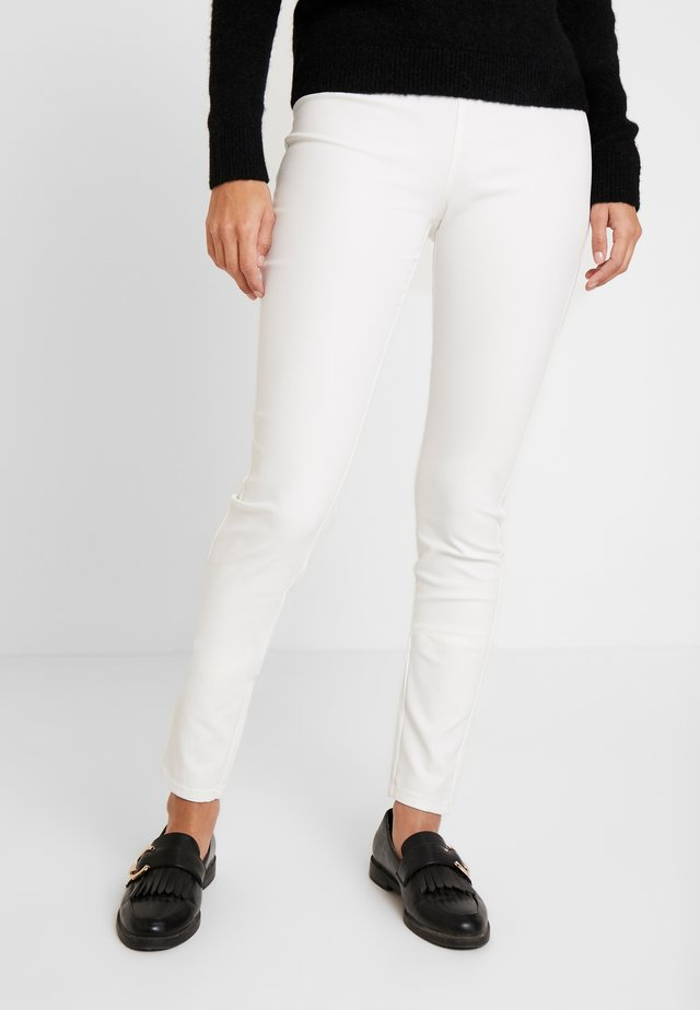 SHANTAL COOPER - Pantaloni - offwhite 11-4800
