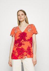 Expresso - FRANCIEN - Print T-shirt - coral - 0