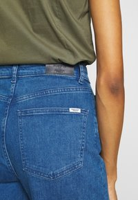 Marc O'Polo DENIM - TOMMA CROPPED - Relaxed fit jeans - pre fall blue - 5