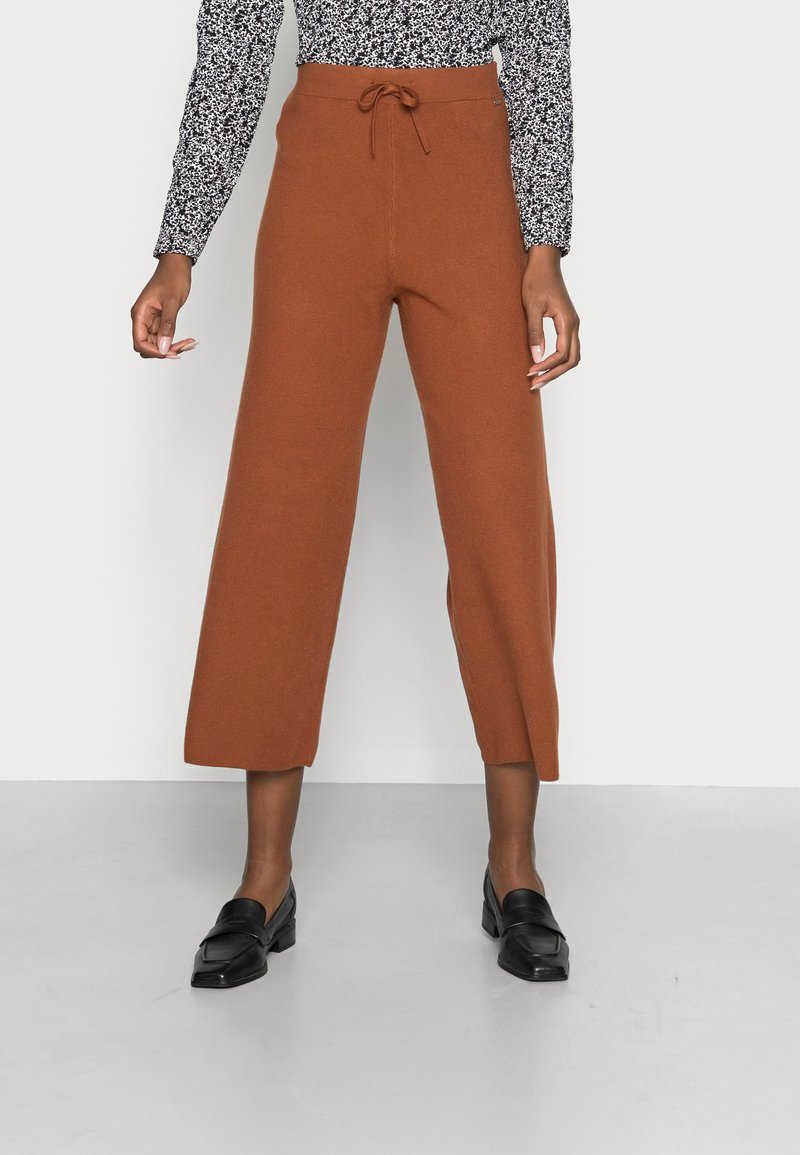 TOM TAILOR DENIM - COZY CULOTTE - Trousers - amber brown
