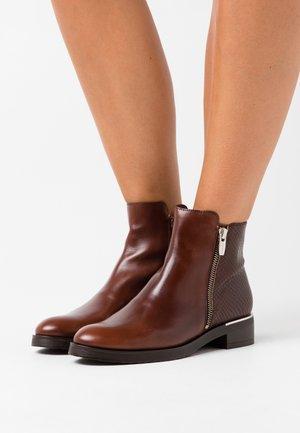 Ankle boots - marron