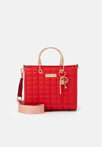 River Island - MED BOXY - Across body bag - red - 0