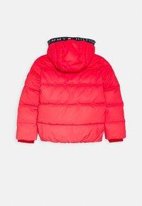 Tommy Hilfiger - PADDED REFLECTIVE JACKET - Zimní bunda - red - 1