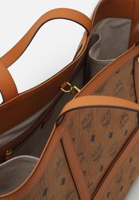 MCM - DELMY VISETOS SHOPPER MEDIUM - Tote bag - cognac - 3