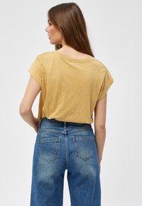 Minus - LETI - Basic T-shirt - prairie sand - 2