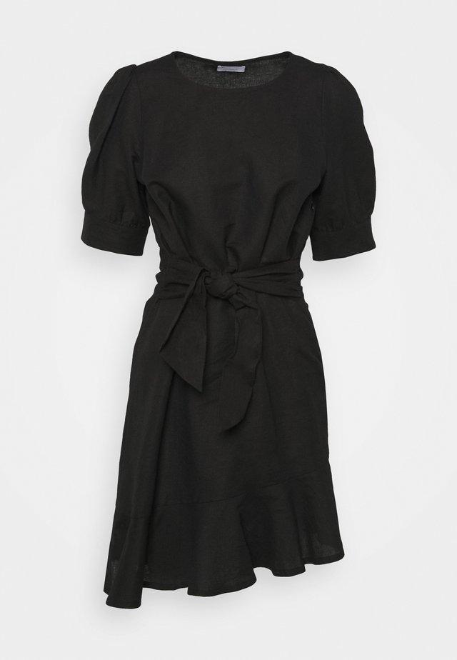 VERA - Korte jurk - jet black
