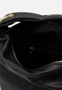 Abro - CLAUDIA - Käsilaukku - black - 2