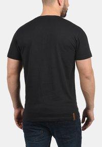 Solid - VOLKER - Basic T-shirt - black - 1