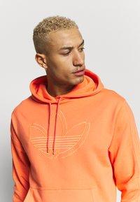 adidas Originals - SPORT COLLECTION HODDIE SWEAT - Huppari - coral - 3
