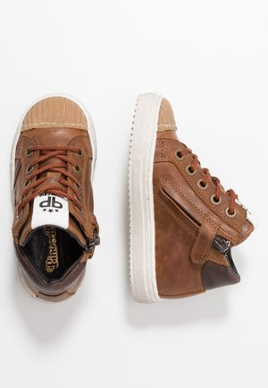 High-top trainers - mid brown