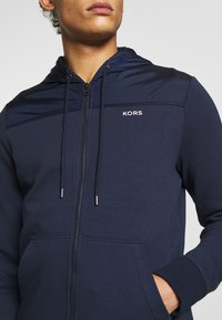 Michael Kors - LOGO  - Zip-up hoodie - midnight - 4