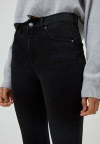 PULL&BEAR - PUSH UP - Jeans Skinny Fit - black - 4